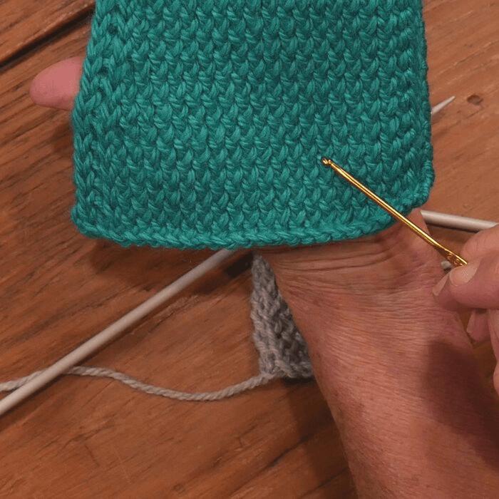 tejer muestra antes de empezar a tejer