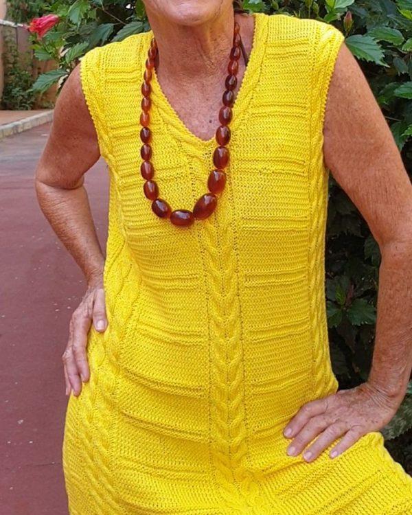 vestido amarillo corto tejido